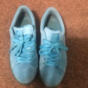 Aqua Puma Sneakers